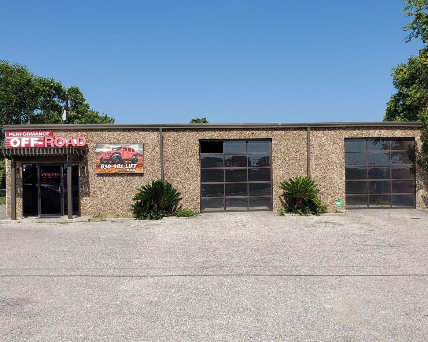 AUTOMOTIVE RETAIL/SHOP IN BOERNE, TX