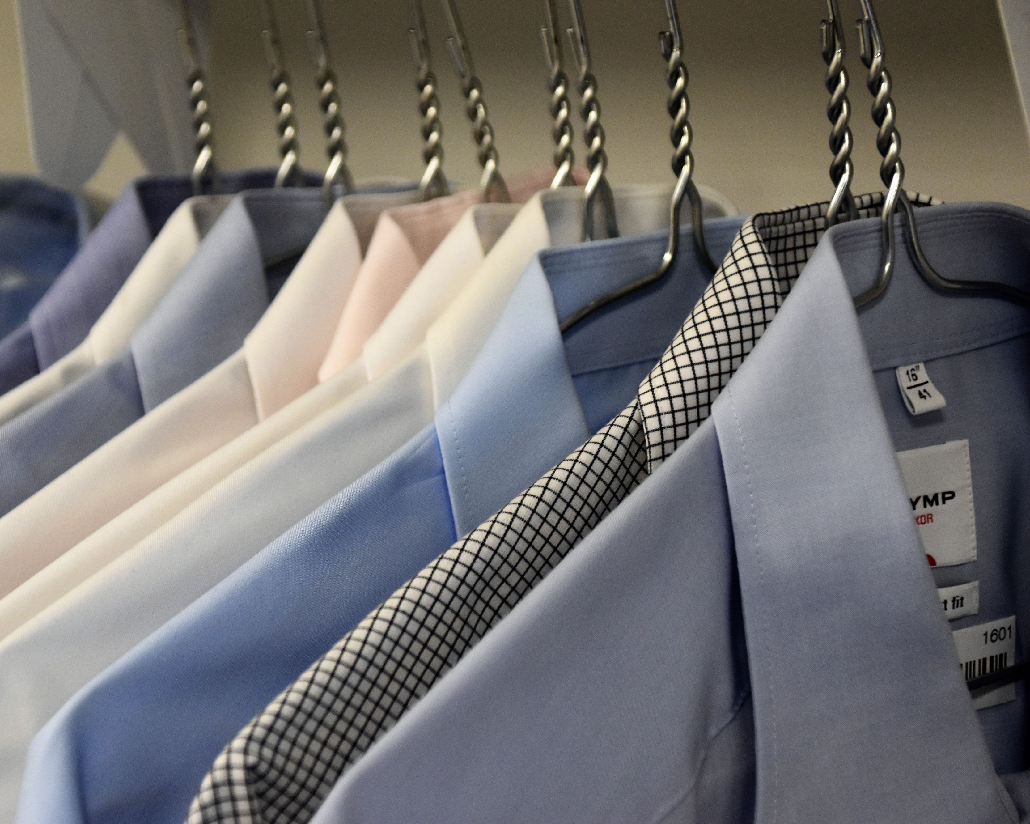 DRY CLEANERS WITH FIVE DROP STORES